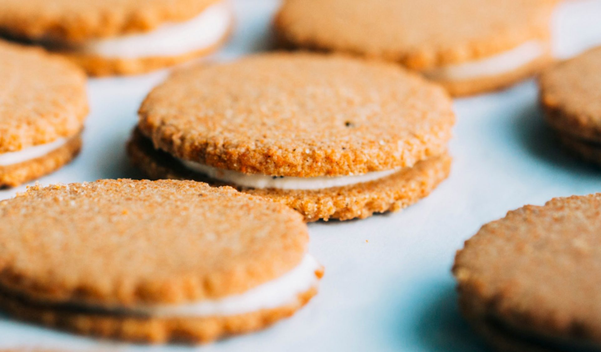 Carrot cookies filled with Greek yogurt and honey post thumbnail